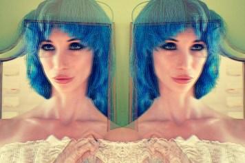 Amecylia Mirror Blue Eyes Blue Hair